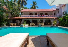 candolim beach resorts